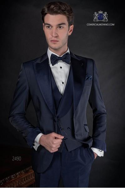 Italian bespoke suit dark blue in microdesign fabric