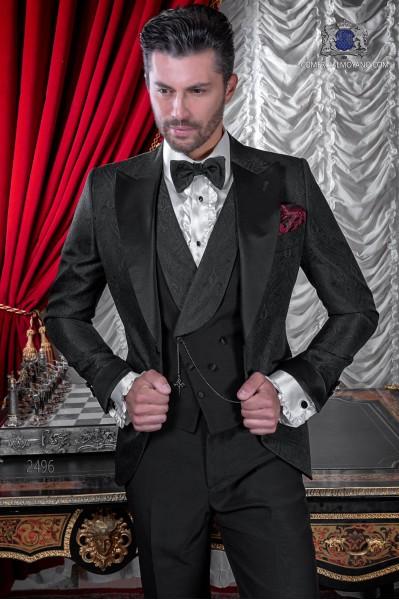 """Traje italiano con moderno estilo """"Slim"""". Tejido jacquard negro con solapa punta de raso"""