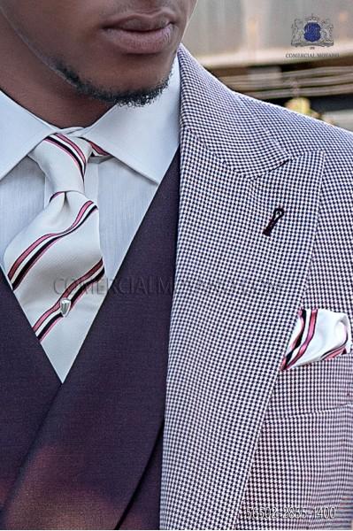 Corbata y pañuelo negro de seda con microdiseños