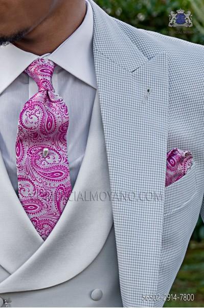 Corbata y pañuelo blanco y fucsia