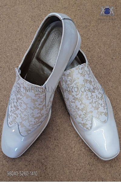 White and gold jacquard fabric shoe