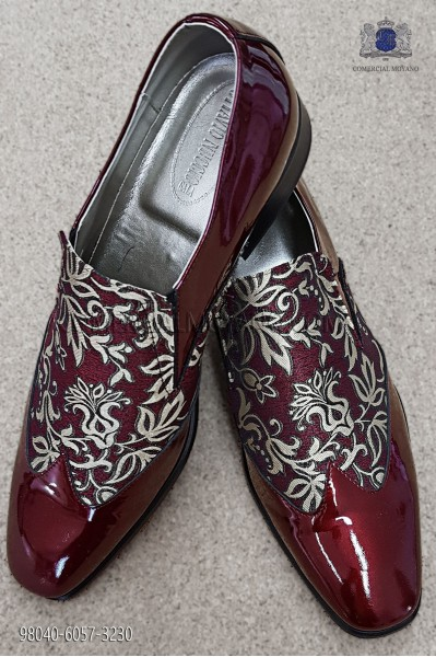 Red and gold jacquard fabric shoe