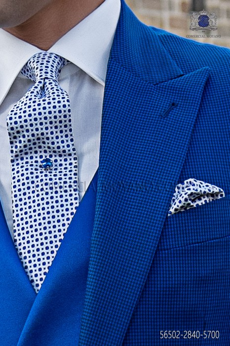 Blue/white silk tie and handkerchief
