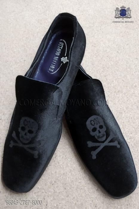 Black velvet fabric shoe