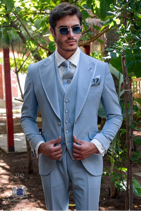 Light blue tailored fit italian men wedding suit with contrast profile on lapels and cuffs