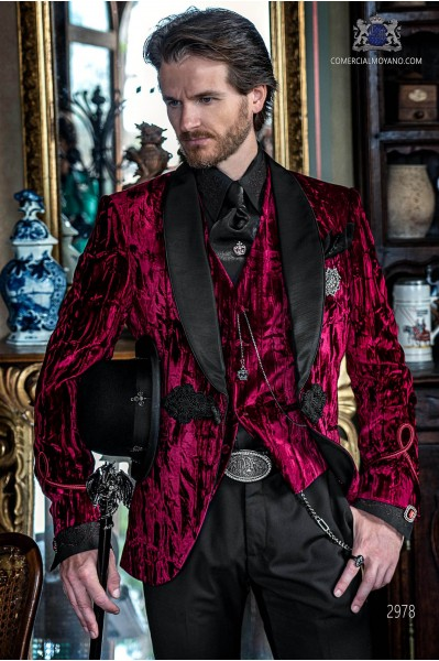 Garnet Aristocratic steampunk tuxedo in wrinkled effect velvet with fitted Italian cut
