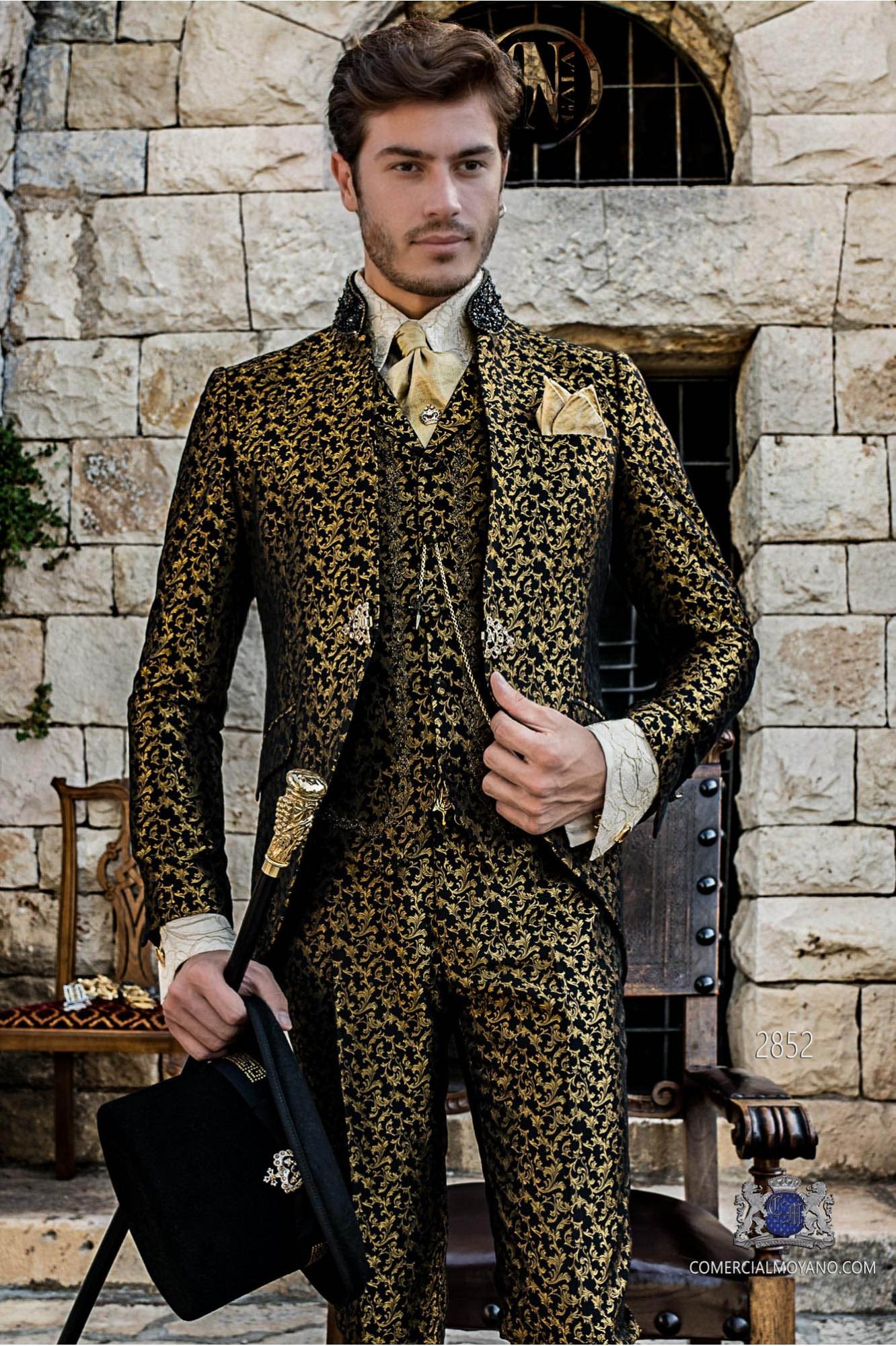 Traje de novio barroco negro brocado dorado cuello Mao con pedrería negra